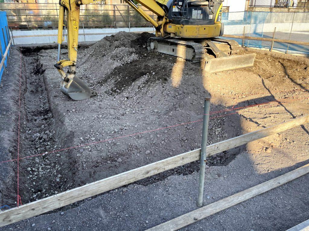 掘り方作業風景